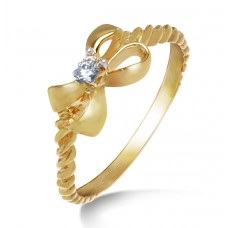 oval shape gold and diamond ring